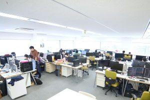 コミュニケーションが取りやすいオープンなオフィス
